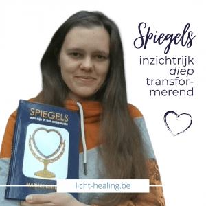 Lees het boek Spiegels van Marieke Bertens en leer hoe jij jouw leven in eigen handen kan nemen en te manifesteren wat jij echt wil.